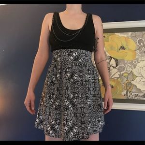 Express Dress - Size 4 - with pockets!